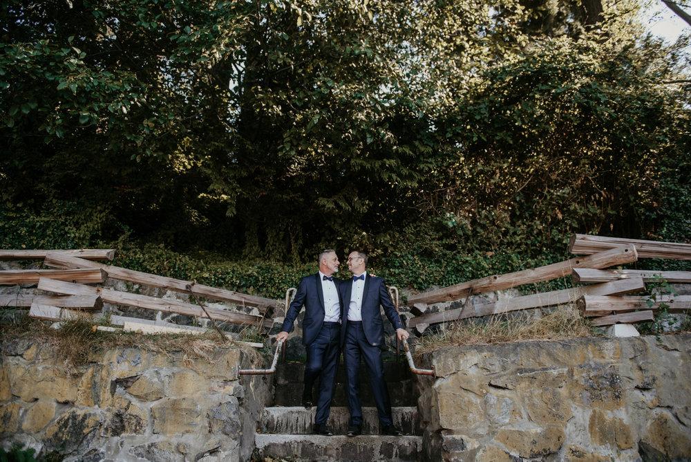 2018-09-01 Andrew Keith Deringer Photography Laurel Point Inn Wedding-30.jpg