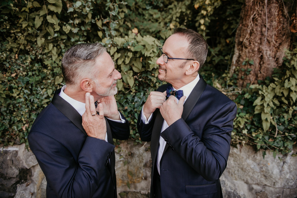 2018-09-01 Andrew Keith Deringer Photography Laurel Point Inn Wedding-31.jpg