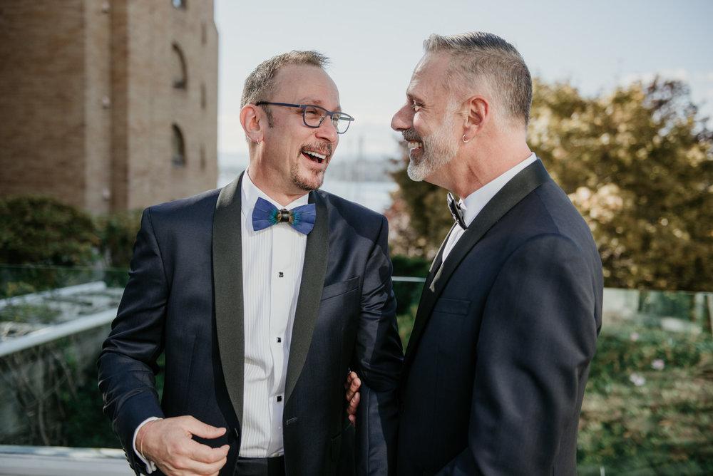 2018-09-01 Andrew Keith Deringer Photography Laurel Point Inn Wedding-41.jpg