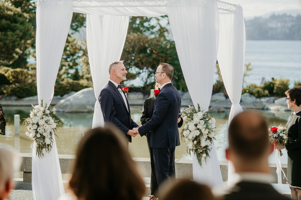 2018-09-01 Andrew Keith Deringer Photography Laurel Point Inn Wedding-49.jpg