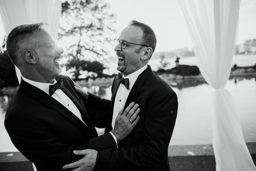2018-09-01 Andrew Keith Deringer Photography Laurel Point Inn Wedding-58.jpg