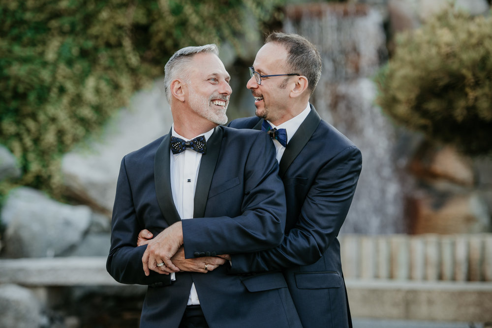 2018-09-01 Andrew Keith Deringer Photography Laurel Point Inn Wedding-60.jpg