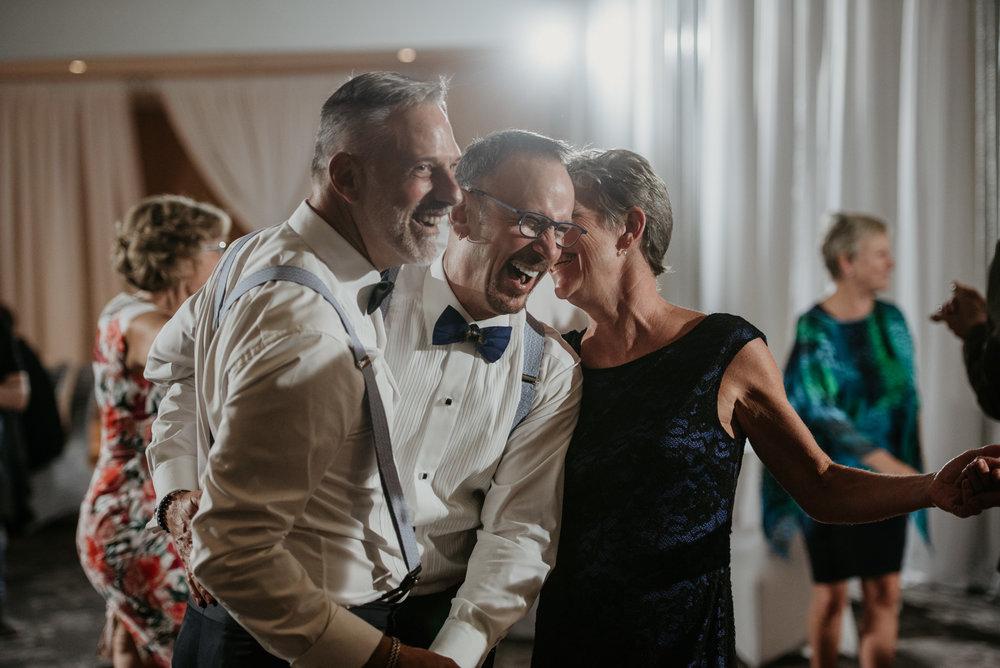 2018-09-01 Andrew Keith Deringer Photography Laurel Point Inn Wedding-64.jpg