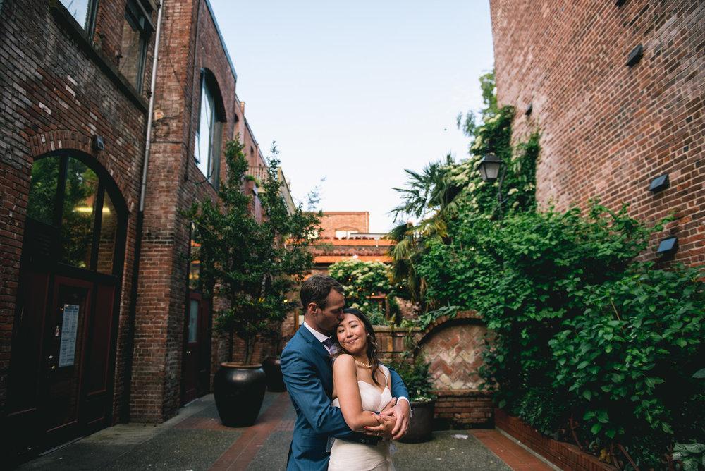 2018-07-28-Wedding-Victoria-BC-Craigdarroch-Castle-June-James-39.jpg