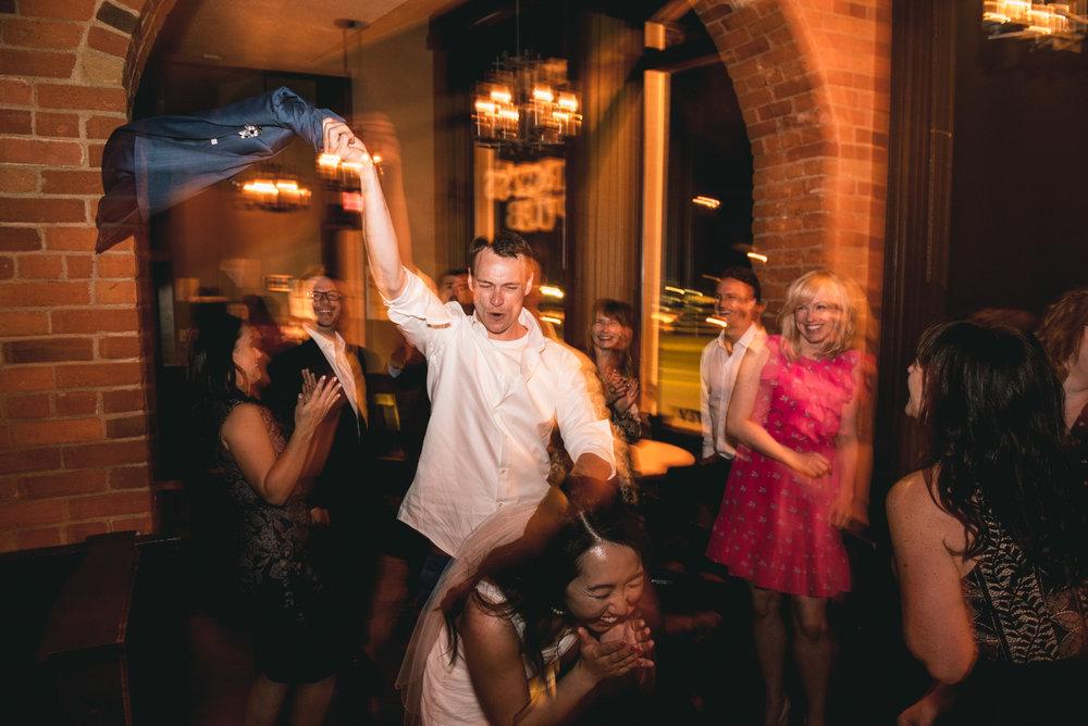 2018-07-28-Wedding-Victoria-BC-Craigdarroch-Castle-June-James-46.jpg