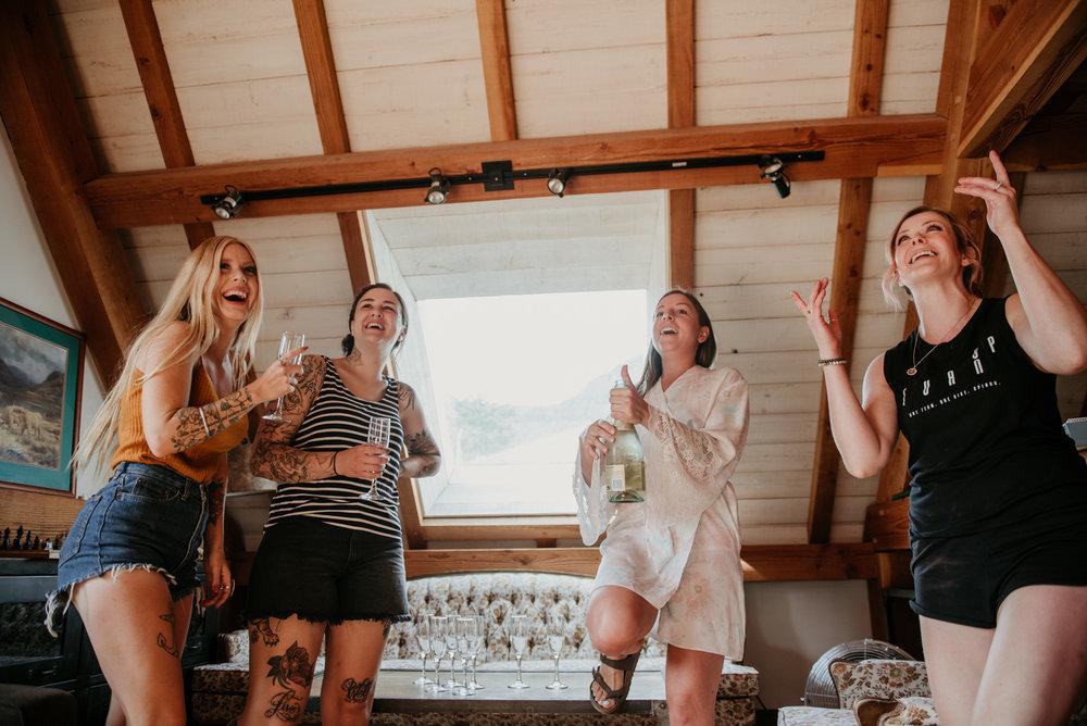2018-08011-Wedding-Victoria-BC-Birds-Eye-Cove-Farm-Heather-Chris-1.jpg