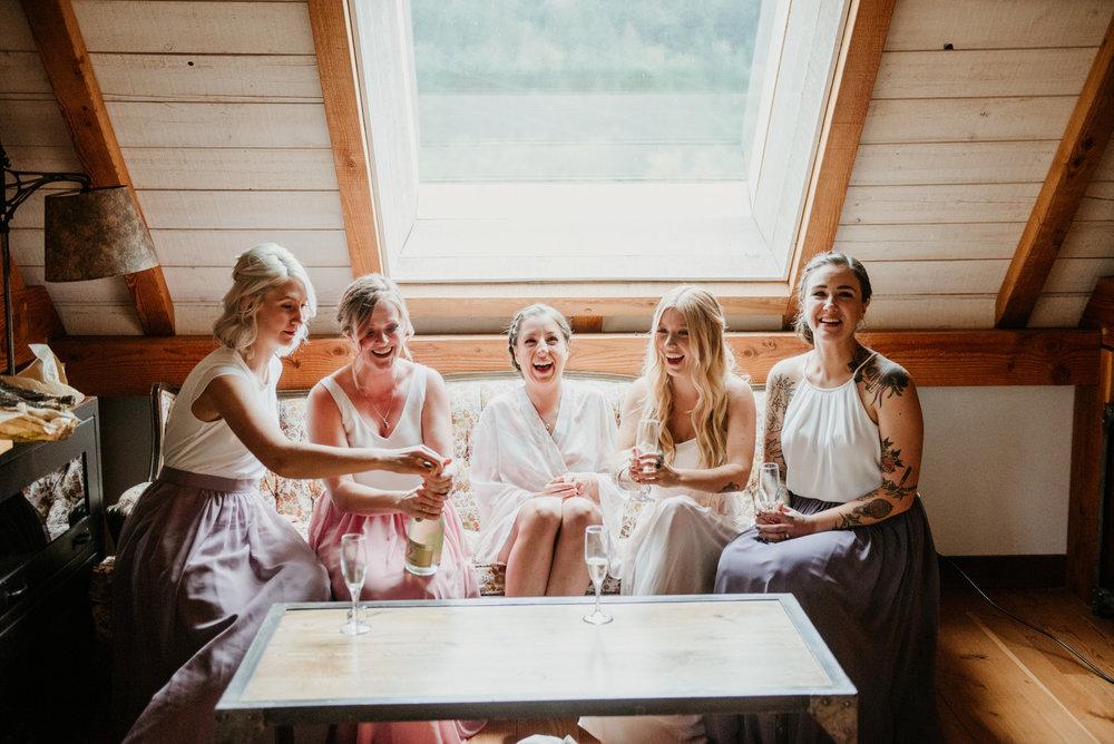 2018-08011-Wedding-Victoria-BC-Birds-Eye-Cove-Farm-Heather-Chris-21.jpg
