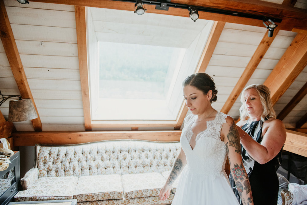 2018-08011-Wedding-Victoria-BC-Birds-Eye-Cove-Farm-Heather-Chris-28.jpg