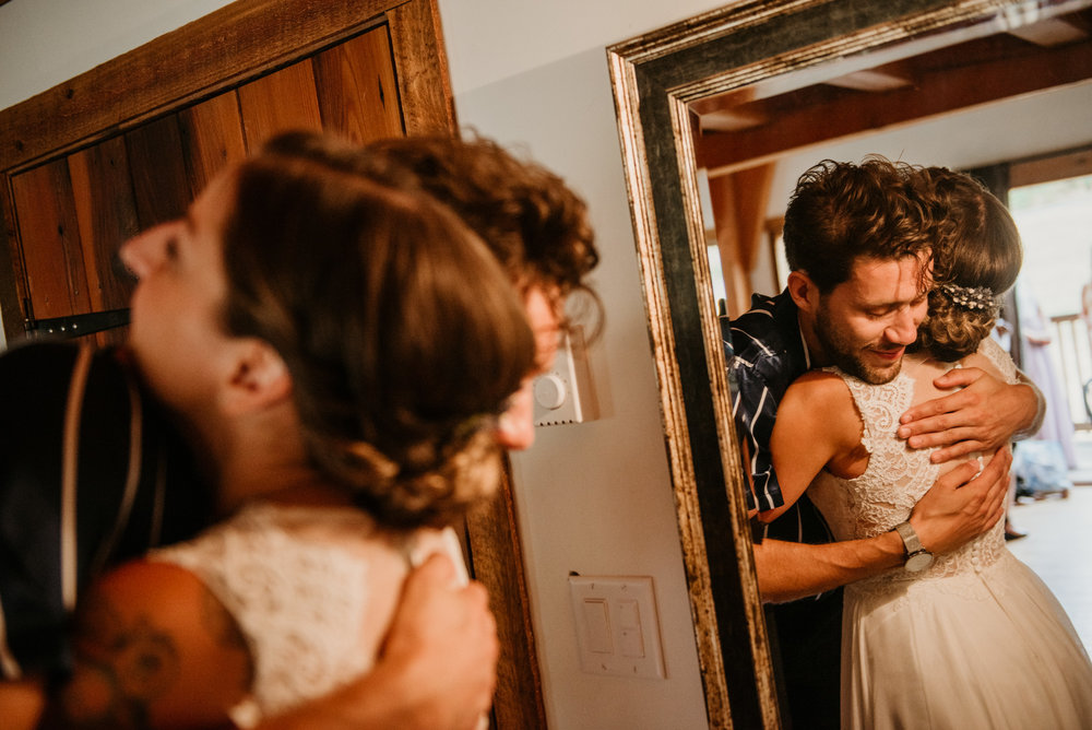 2018-08011-Wedding-Victoria-BC-Birds-Eye-Cove-Farm-Heather-Chris-40.jpg