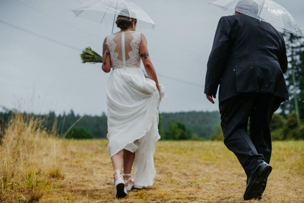 2018-08011-Wedding-Victoria-BC-Birds-Eye-Cove-Farm-Heather-Chris-52.jpg