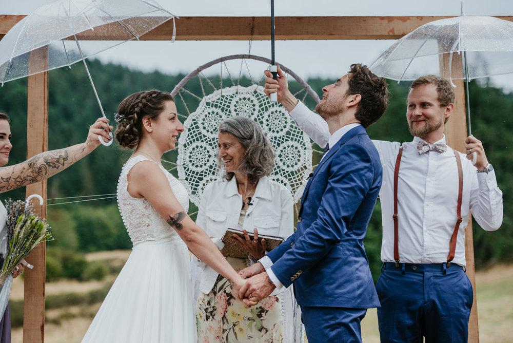 2018-08011-Wedding-Victoria-BC-Birds-Eye-Cove-Farm-Heather-Chris-64.jpg