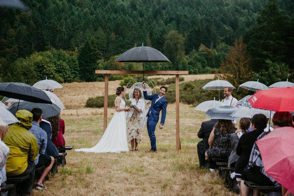 2018-08011-Wedding-Victoria-BC-Birds-Eye-Cove-Farm-Heather-Chris-62.jpg