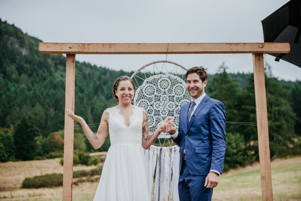2018-08011-Wedding-Victoria-BC-Birds-Eye-Cove-Farm-Heather-Chris-68.jpg