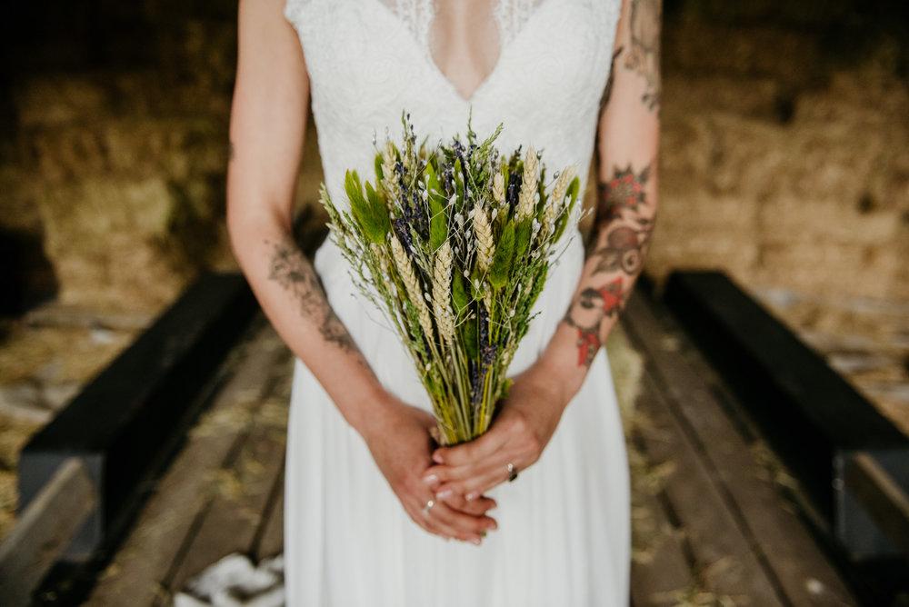 2018-08011-Wedding-Victoria-BC-Birds-Eye-Cove-Farm-Heather-Chris-93.jpg