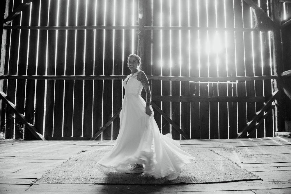 2018-08011-Wedding-Victoria-BC-Birds-Eye-Cove-Farm-Heather-Chris-109.jpg