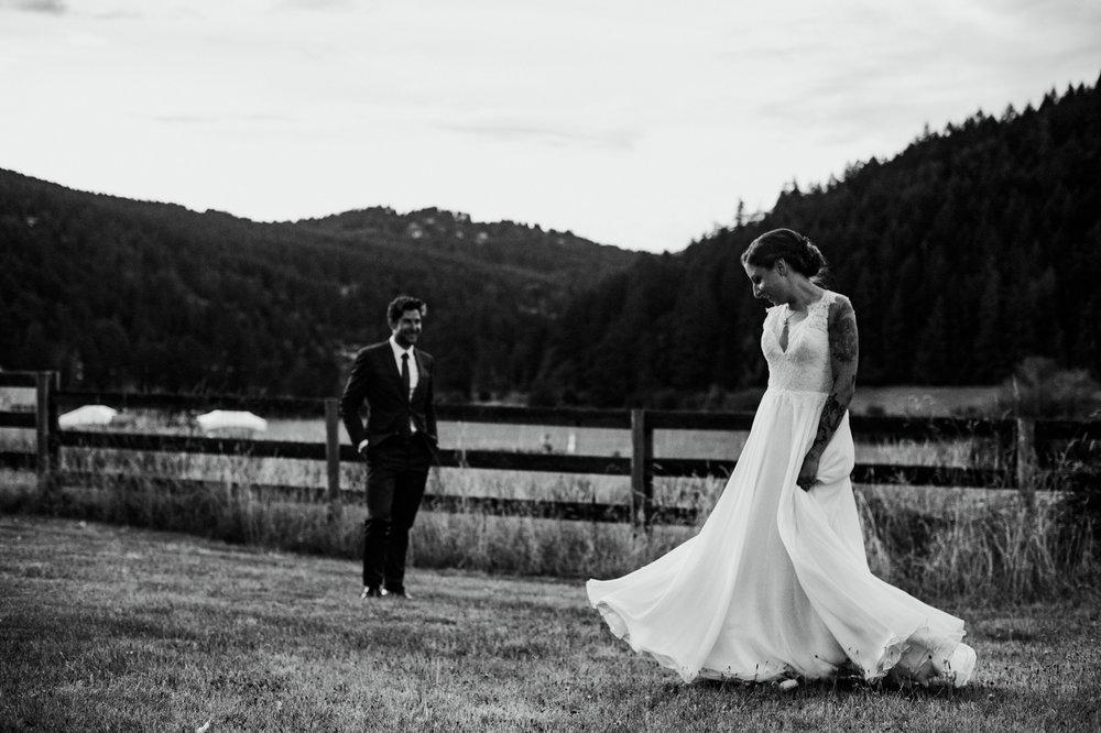 2018-08011-Wedding-Victoria-BC-Birds-Eye-Cove-Farm-Heather-Chris-118.jpg