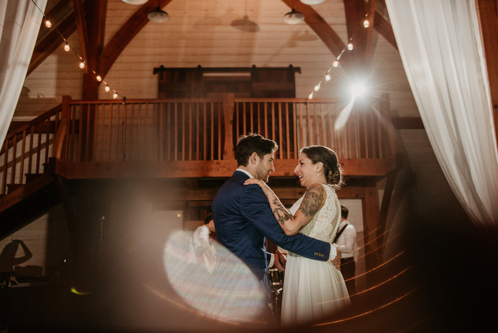 2018-08011-Wedding-Victoria-BC-Birds-Eye-Cove-Farm-Heather-Chris-140.jpg