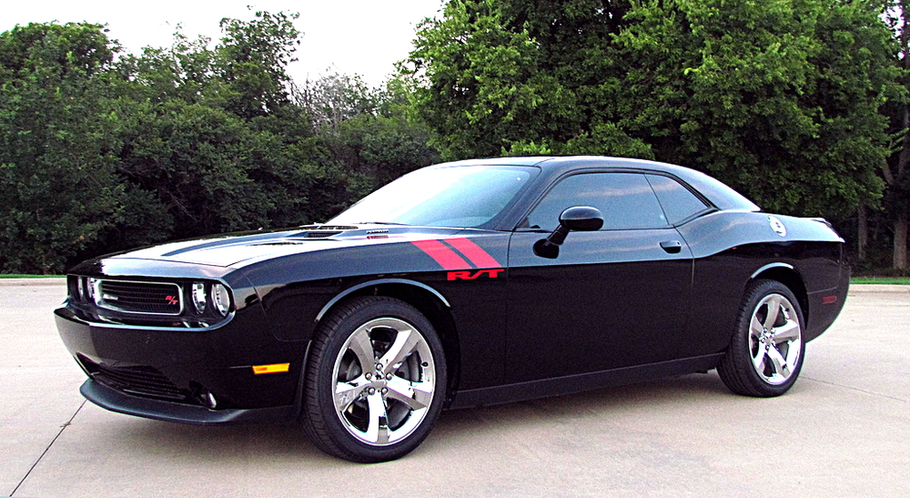 By duggar11 (2012 Dodge Challenger RT  Uploaded by russavia) [CC-BY-2.0 (http://creativecommons.org/licenses/by/2.0)], via Wikimedia Commons.