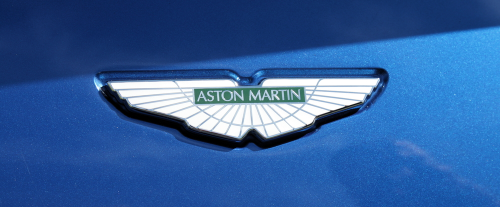 By jeremyg3030 (Aston Martin Vantage S) [CC BY 2.0 (http://creativecommons.org/licenses/by/2.0)], via Wikimedia Commons.