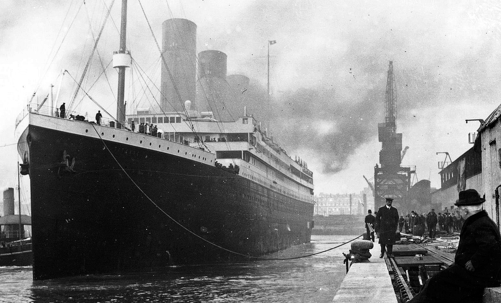 Public domain (http://commons.wikimedia.org/wiki/File:Titanic.jpg), via Wikimedia Commons.
