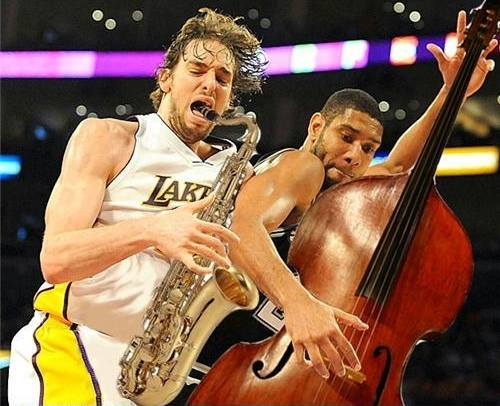 pau-gasol-tim-duncan-sax-cello-.jpg