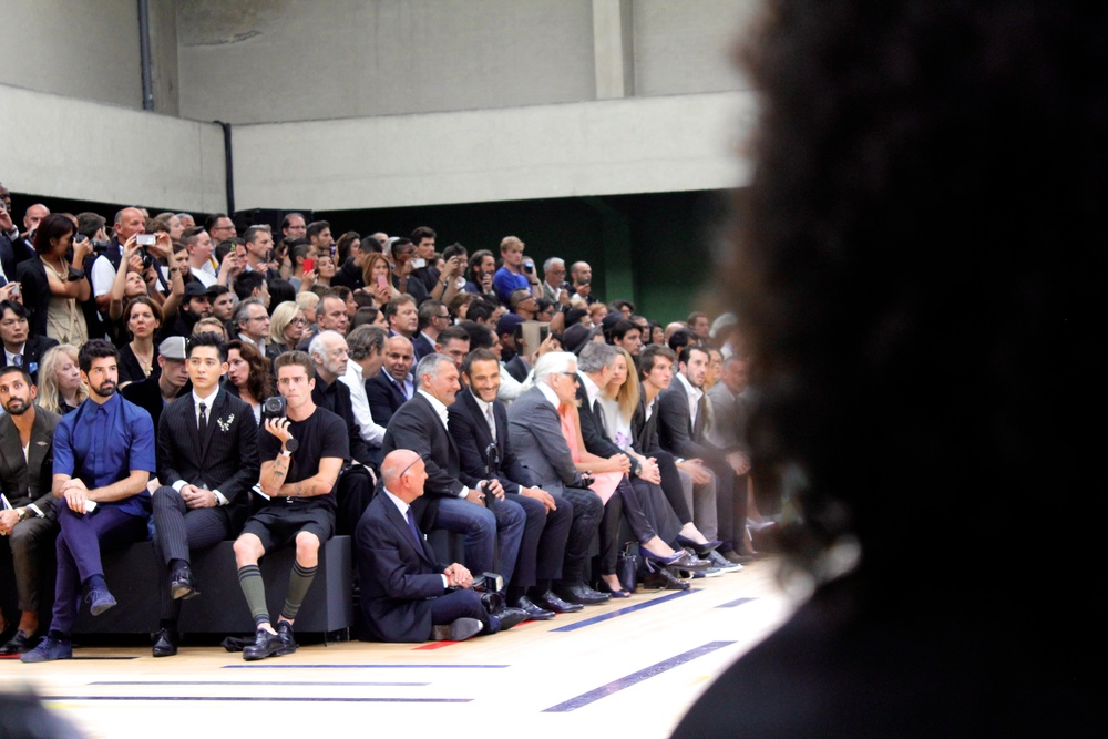 Front Row (from left to right): Miguel Angel Munoz (actor), Vic Chou ( 周渝民) , Prince Pelayo ( blogger ), Karl Lagerfeld