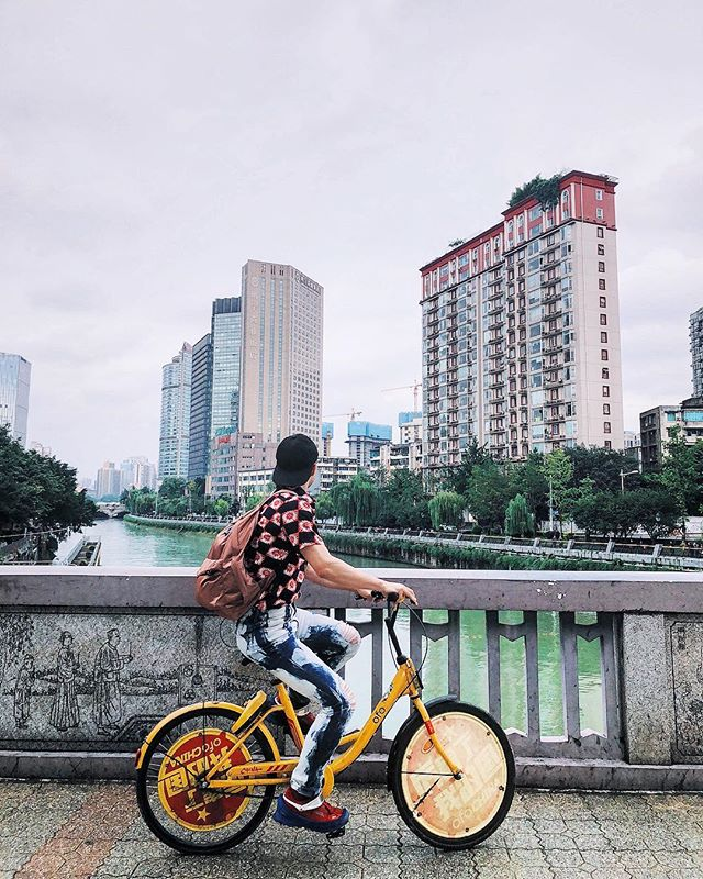 2018: 21/10 Cycling in China? Mum would never approve (Sorry, Mum). 厉害了我的国🇨🇳骑着自行车旅游成都