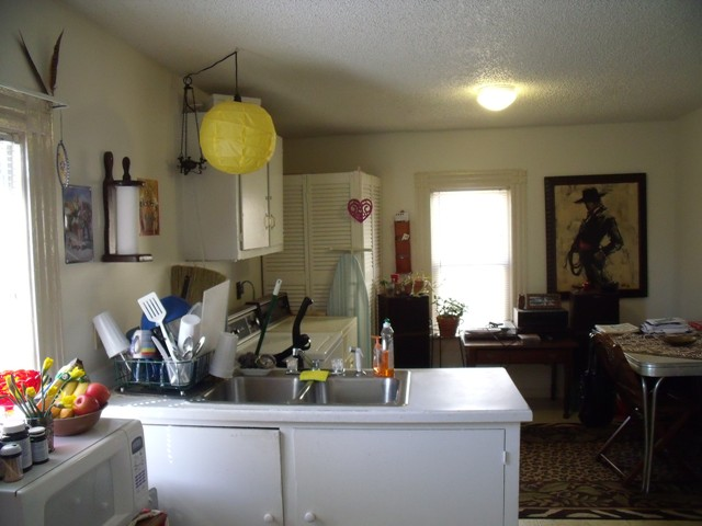 kitchen and dining area.JPG
