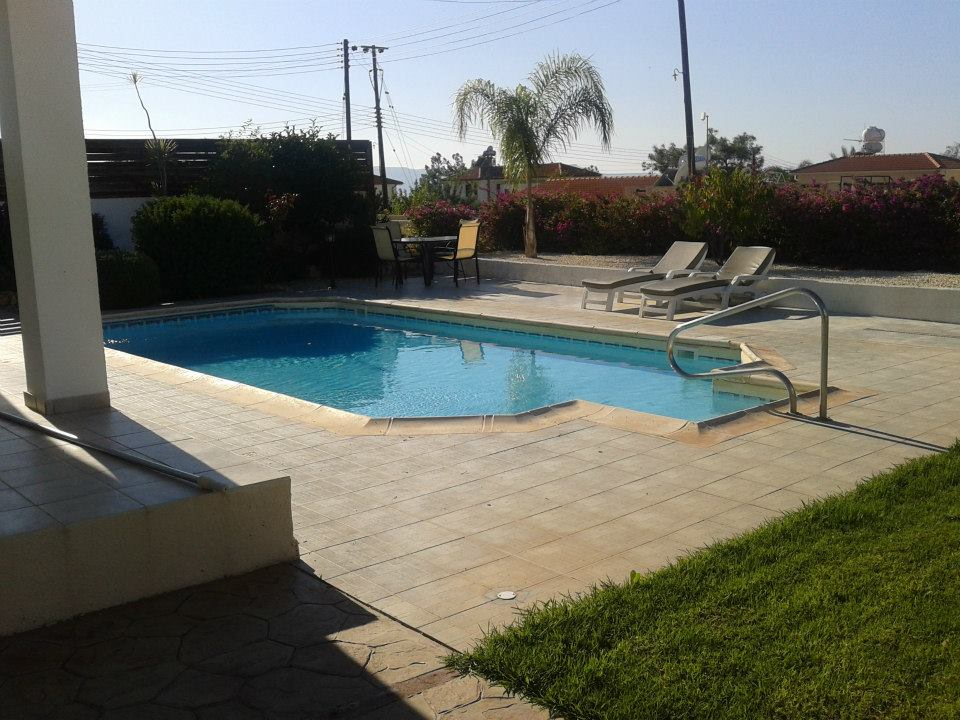 Argaka 3 Bed Luxury Villa 4490 Pool.jpg