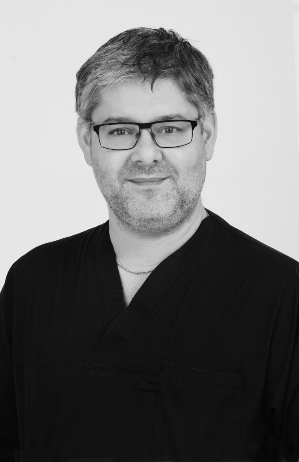 Lucian Grema Hudläkare - Specialist i Dermatologi