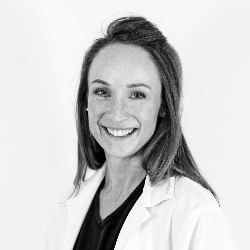 Eva Eken  Hudläkare - Specialist i Dermatologi