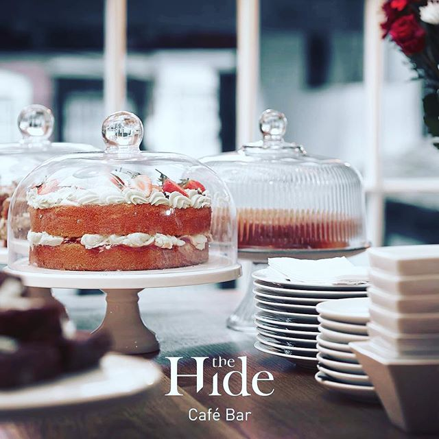 Did someone say Cake with a friend... over some bubbles mid afternoon? Are ya mad? Ohhh yep, I think we are.  We'll cut you a slice and leave it on the bar. It'll be our secret. #thehideampthill #hidemadecake