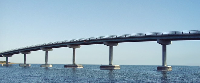 large-bridge-over-the-ocean-blue-sky-facebook-covers.jpg