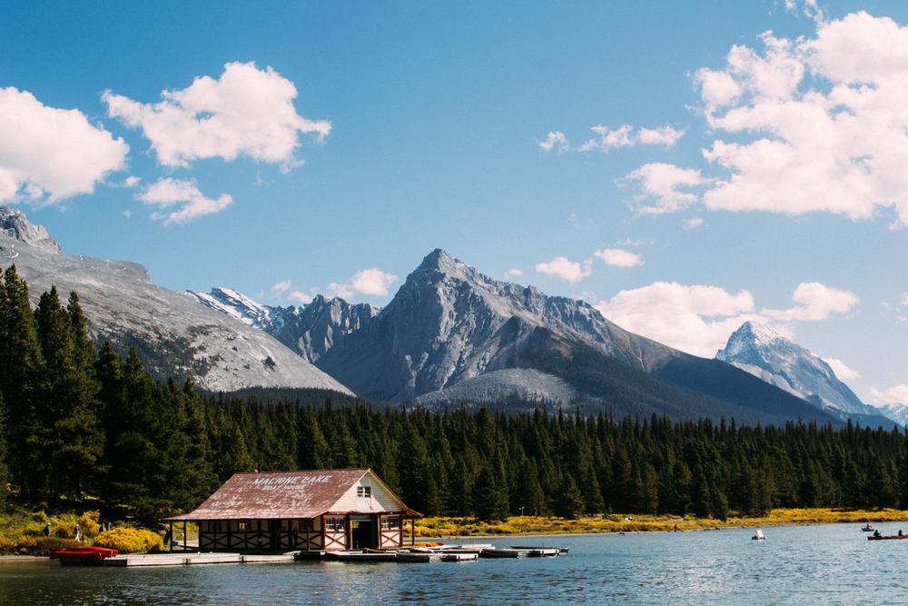 curly phillips boat house maligne lake