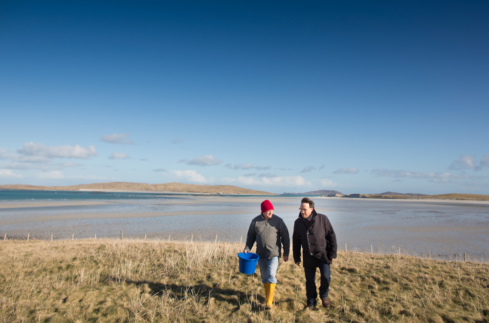 "Chatting with Gerard MacDonald while ""chasing"" snails on Barra."