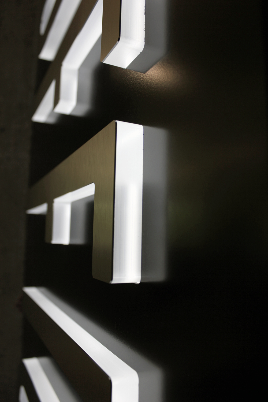 DUP Fin Front Detail.jpg