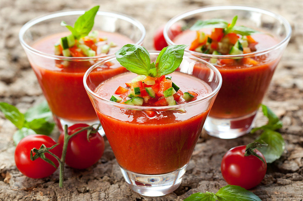 Gazpacho andalúz - Spanish cold tomato soup with fresh vegetables and olive oil.