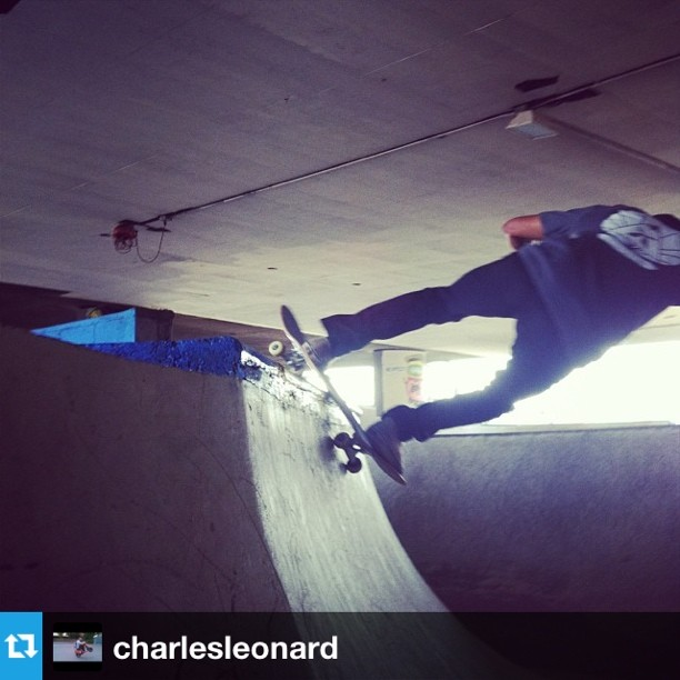 #Repost from @charlesleonard of @juiceman0117 shredding in Seattle. #unhly #underthebridge