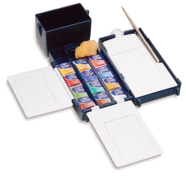 They even have this cool  Field Box Set  that comes with a brush, expandable palette and mini water jug. How fun is this?