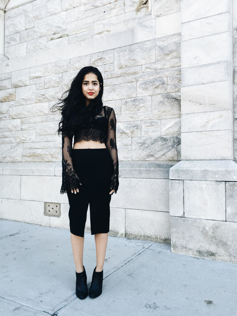 arushi khosla, arushi.co, black lace, crop top, black lace crop top, nasty gal, pencil skirt, aritzia, black pencil skirt, steve madden, ankle boots, trestique