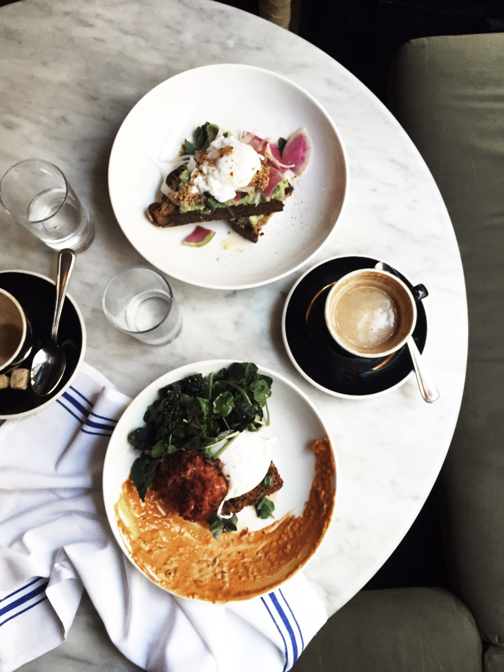 navy new york, soho, marble table, quinoa crisp, daily cortado, arushi khosla, arushi.co