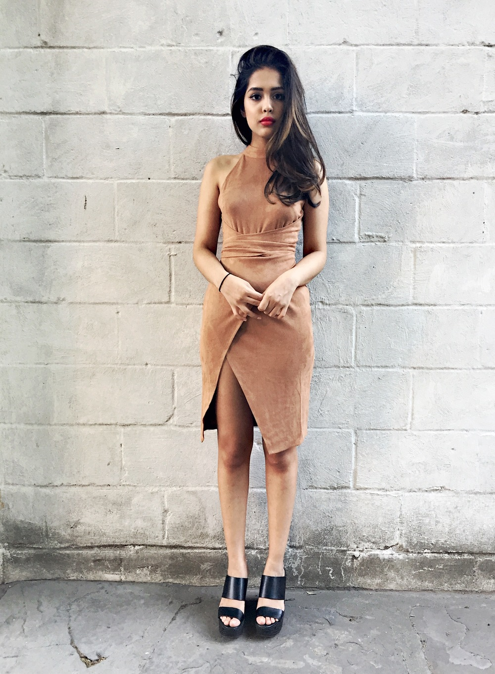 esther boutique, arushi khosla, arushi.co, tan suede dress, downtown brooklyn, indian blogger, zara shoes, zara platforms, bayalage hair