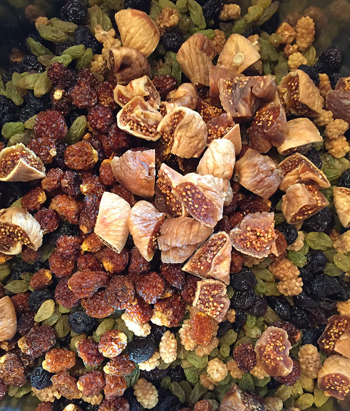 niloofar persian trail mix