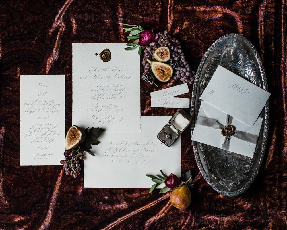 Styling by jennifer of {feather + oak}, photography by  Sarah Sidwell Photography , paper suite + calligraphy by  Plume .