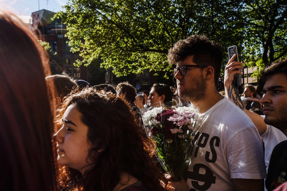 23rd May 2017, Manchester, UK. A strong show of unity at the vigil at Albert square. On assignment for Schweizer Illustrierte.