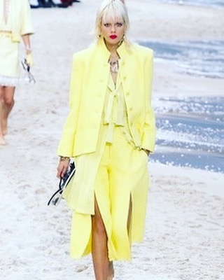 #yellow 💛💛💛 #chanel #pfw