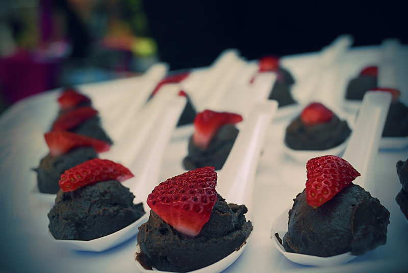 chocolate-mousse-n-strawberry-spoons.jpg