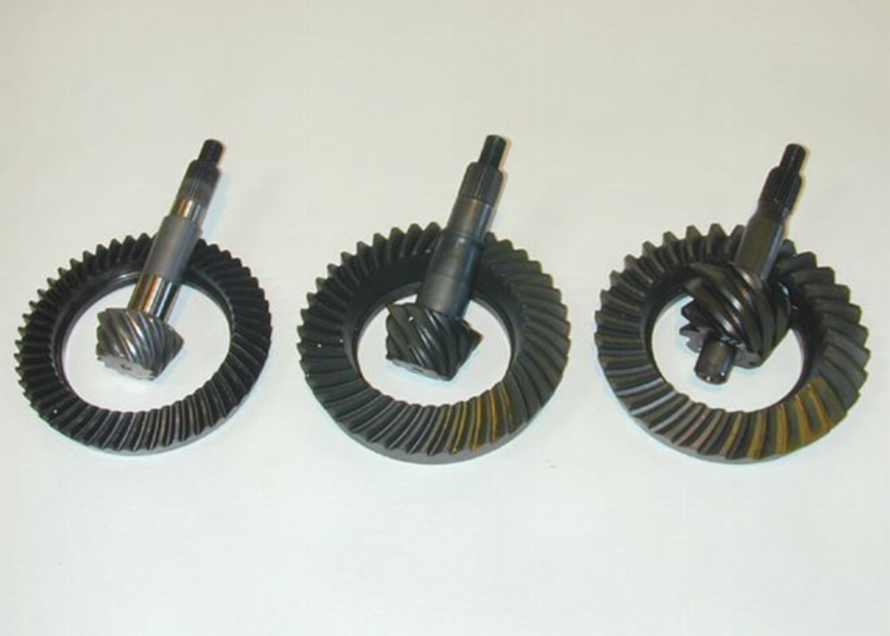 Notice how much smaller the low-ratio pinion gear on the left is.