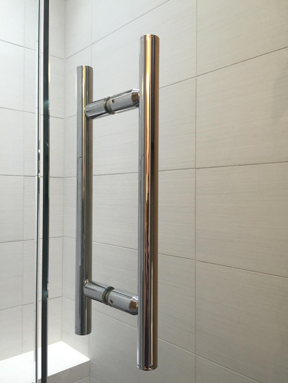 "CRLawrence  Ladder Pull,on 1/2"" tempered glass,  Daltile fabrique blanc linen  12x24 Porcelain Tile"