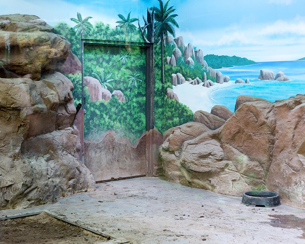 Reptile Enclosure; Rolling Hills Zoo, Salina, KS